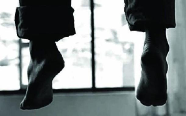 রাজধানীর কাফরুলে ঝুলন্ত মরদেহ উদ্ধার করেছে পুলিশ
