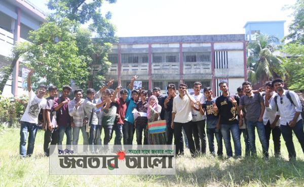 জেলায় শীর্ষে কাদিরাবাদ স্যাপার কলেজ