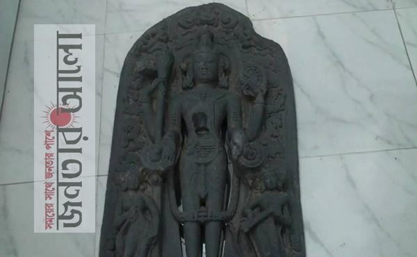 নাটোরে গোয়াল ঘরে থেকে বিষ্ণু মূর্তি উদ্ধার
