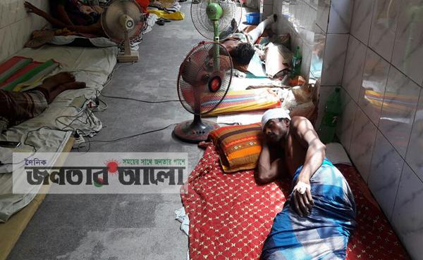 ঝিনাইদহে আওয়ামীলীগের দু'গ্রুপের সংঘর্ষে বাড়ি ঘর ভাংচুর, ১০ জন আহত