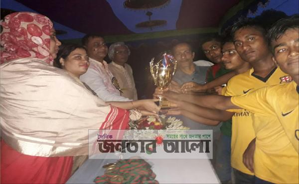 কোটচাঁদপুরে বঙ্গবন্ধু গোল্ডকাপ ফাইনালে এলাঙ্গী ইউপি একদশ বিজয়ী
