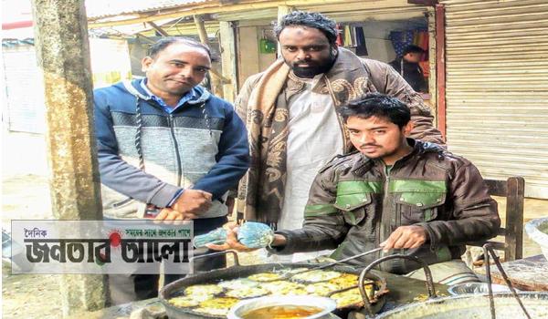 চলনবিল বারুহাসের 'আনিছুর' এখন ঝিলাপী তৈরীর কারিগর