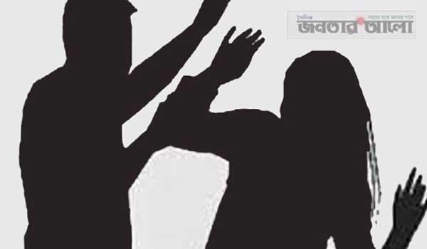 মান্দায় পুকুরে মাছ ধরাকে কেন্দ্র করে প্রতিপক্ষের মারপিটে দুই নারী আহত
